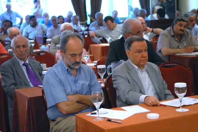 ο υφυπουργός ΥΠΕΧΩΔΕ κ. Ξανθόπουλος με τον πρόεδρο του ΤΕΕ κ. Αλαβάνο